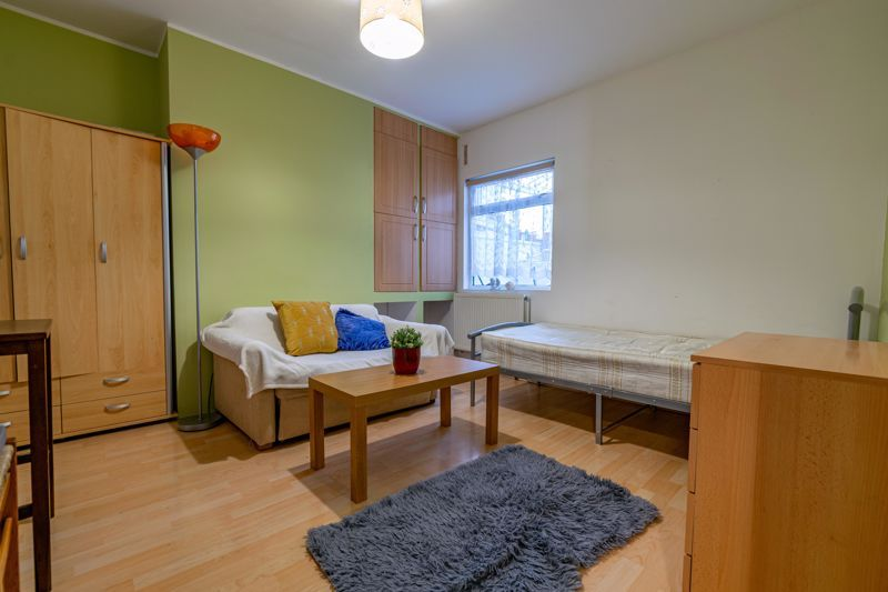 3 bed  for sale in Beoley Road West 8