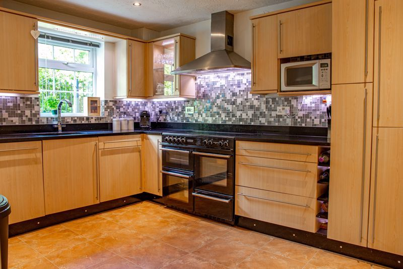 3 bed  for sale in Pastorale Road  - Property Image 3