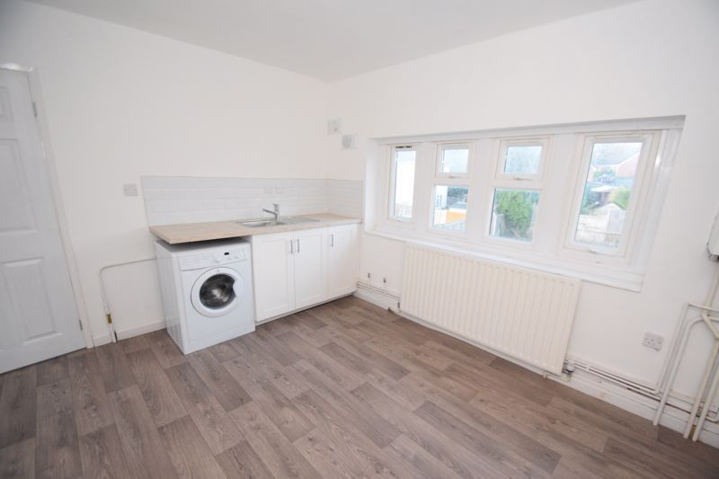 1 bed  to rent in Oak Tree Avenue  - Property Image 4