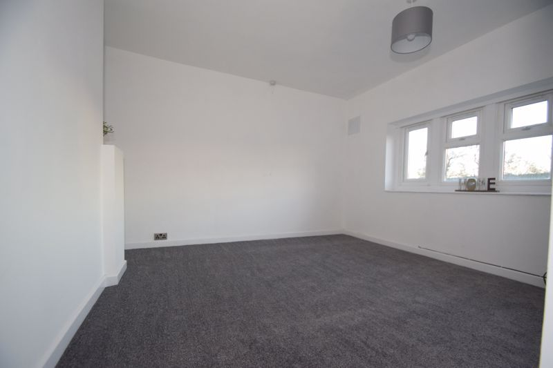 1 bed  to rent in Oak Tree Avenue  - Property Image 5