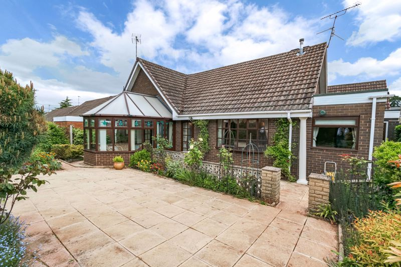 2 bed bungalow for sale in Tye Gardens  - Property Image 13