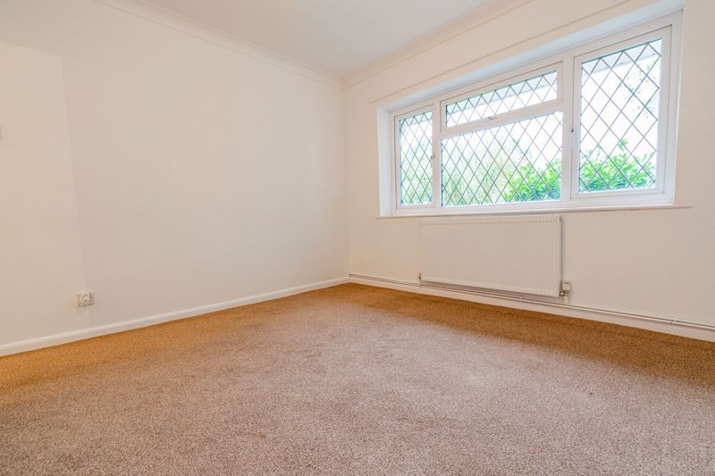 4 bed bungalow for sale in Shaw Lane  - Property Image 12