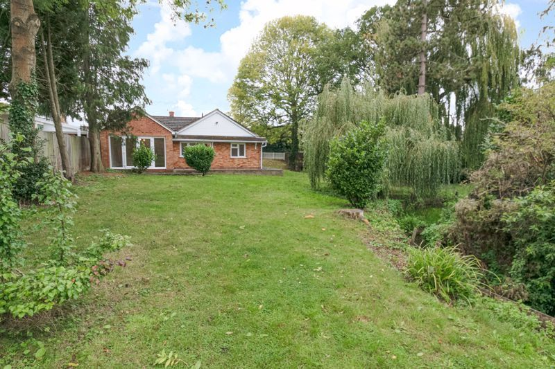 4 bed bungalow for sale in Shaw Lane 15