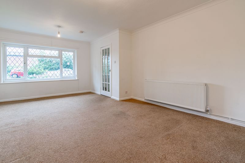 4 bed bungalow for sale in Shaw Lane  - Property Image 10
