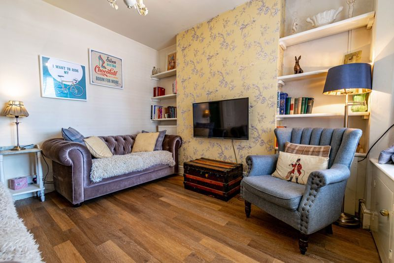 4 bed house for sale in Lodge Road 2