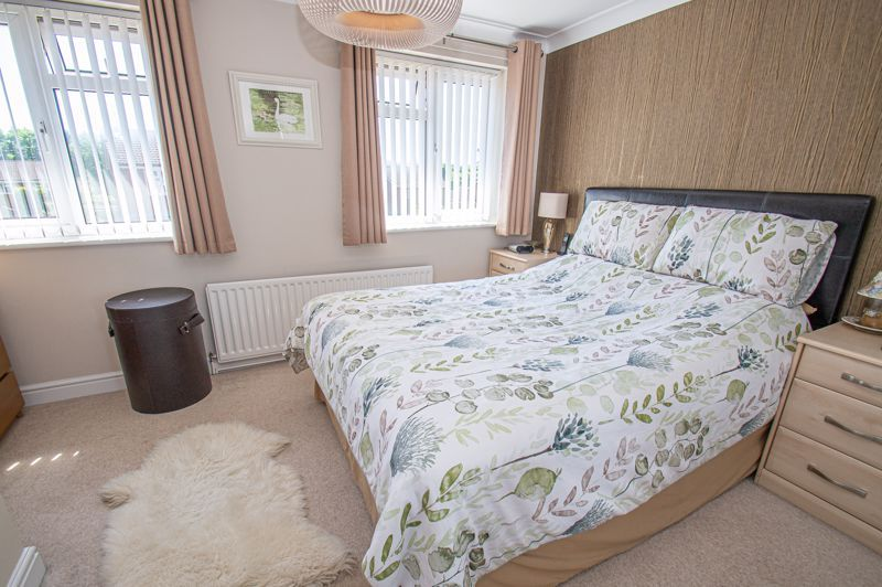 2 bed house for sale in Neighbrook Close  - Property Image 8