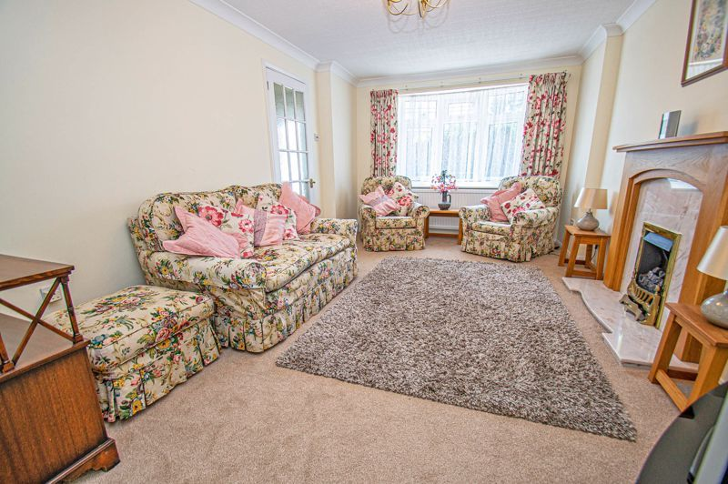 3 bed house for sale in Woodbank Drive 3