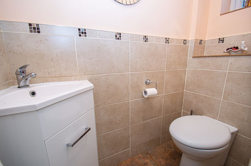 3 bed house for sale in Woodbank Drive  - Property Image 4
