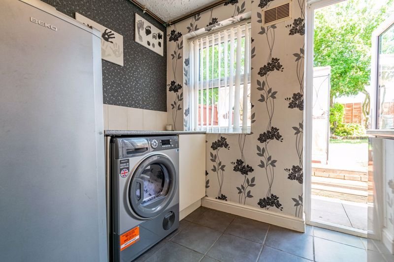4 bed house for sale in Maisemore Close 4