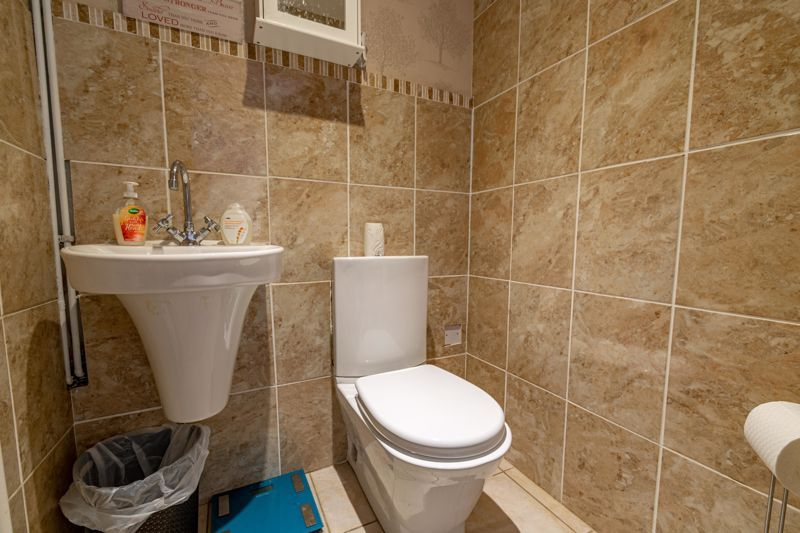 4 bed house for sale in Maisemore Close 5