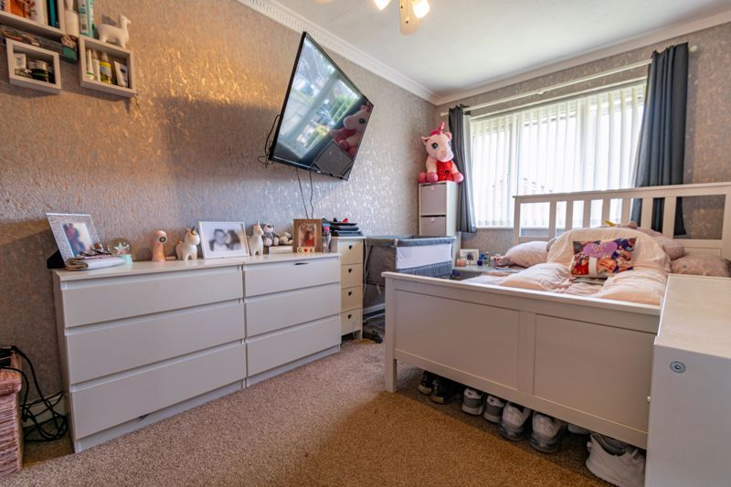 4 bed house for sale in Maisemore Close 8
