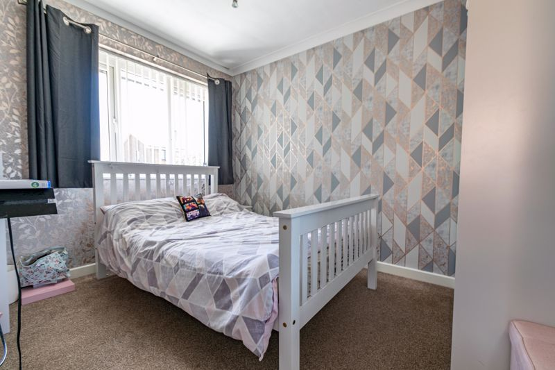 4 bed house for sale in Maisemore Close 9