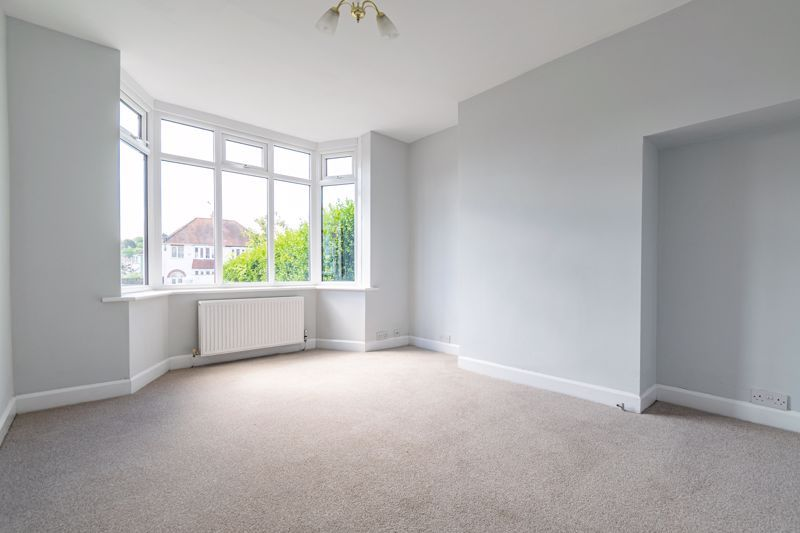 3 bed house for sale in Stourbridge Road  - Property Image 2