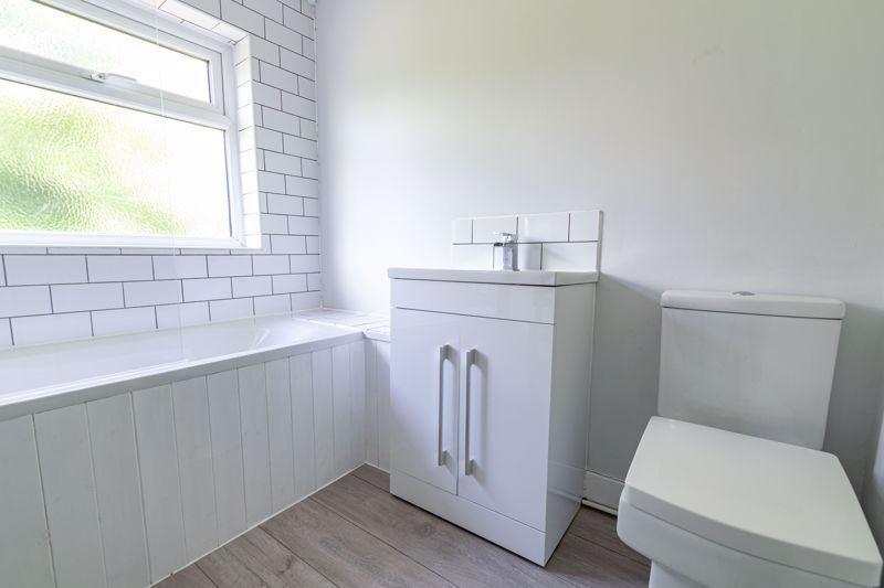 3 bed house for sale in Stourbridge Road  - Property Image 12