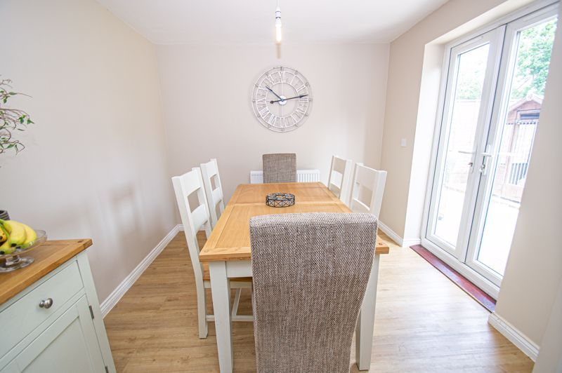 4 bed house for sale in Cross Furlong 5