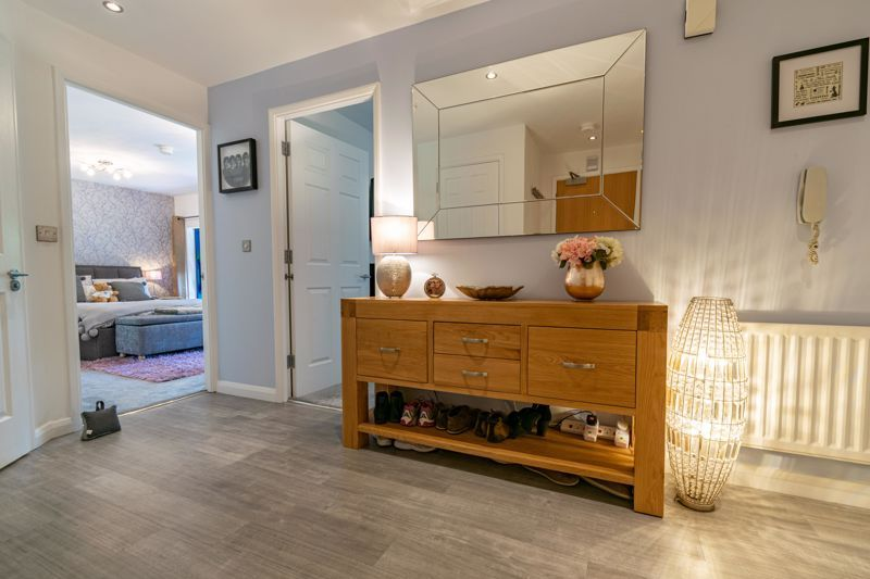 2 bed flat for sale in Waterside Heights, Waterside  - Property Image 3
