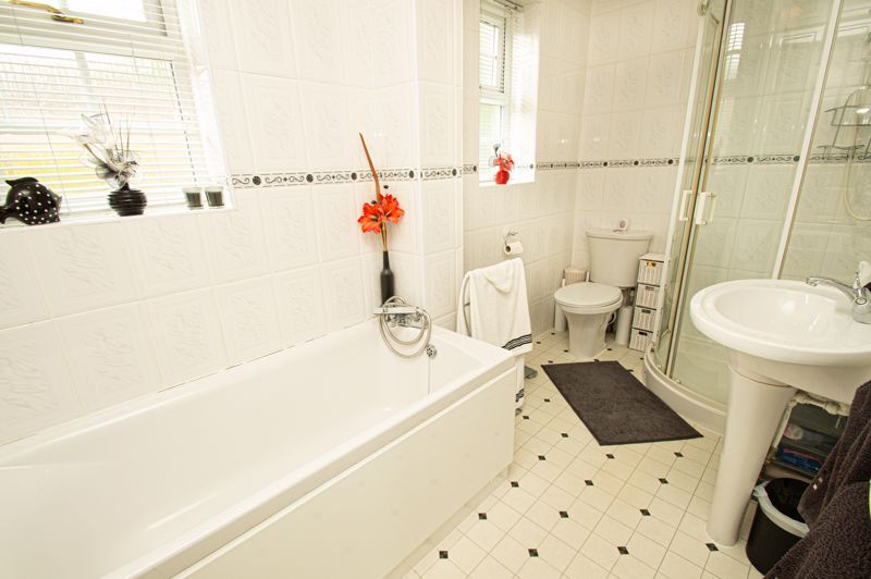 4 bed house for sale in Rockford Close  - Property Image 11