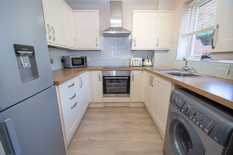 2 bed house for sale in Foxcote Close 2
