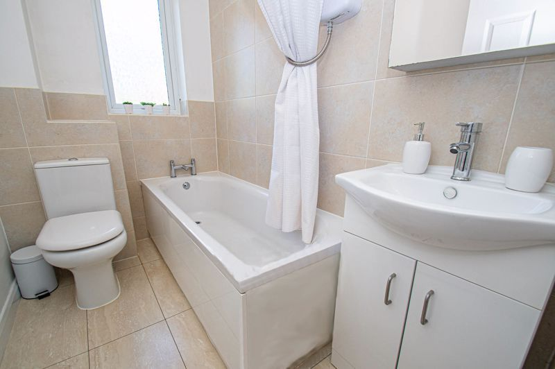 2 bed house for sale in Foxcote Close 8