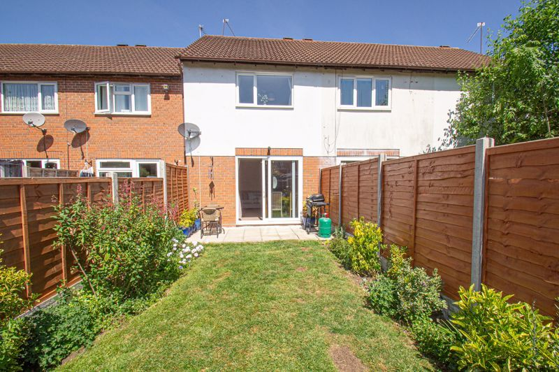 2 bed house for sale in Foxcote Close 9
