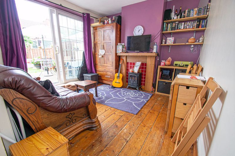 2 bed house for sale in Hollies Road 3