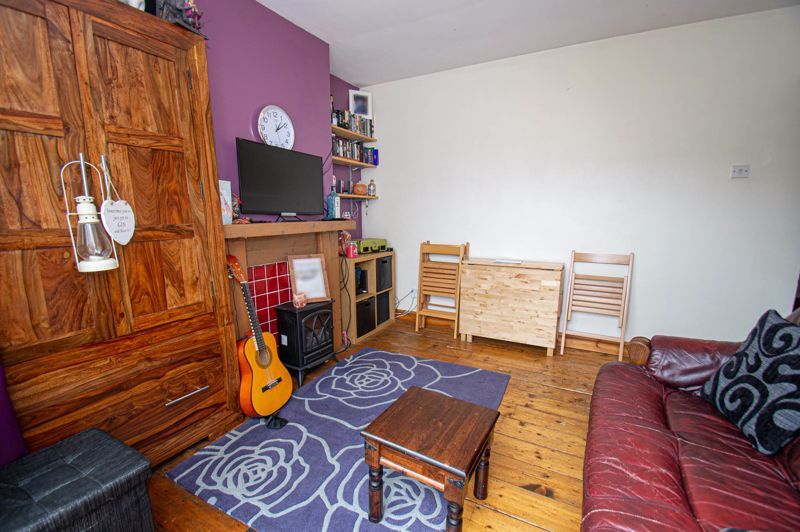 2 bed house for sale in Hollies Road  - Property Image 4