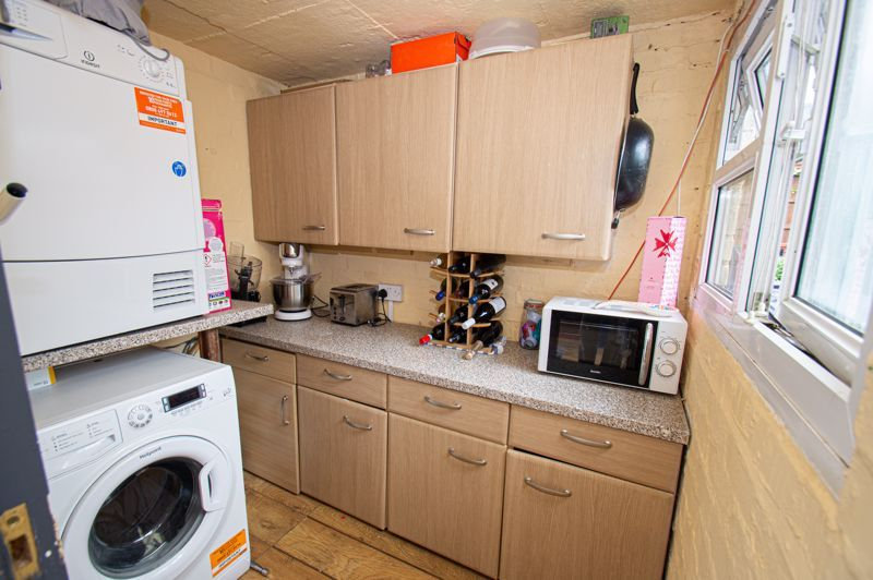 2 bed house for sale in Hollies Road  - Property Image 6