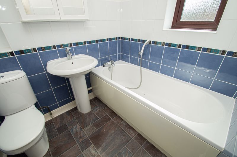 4 bed house for sale in Towbury Close 12