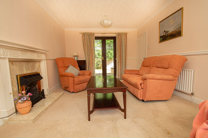 4 bed house for sale in Towbury Close 3