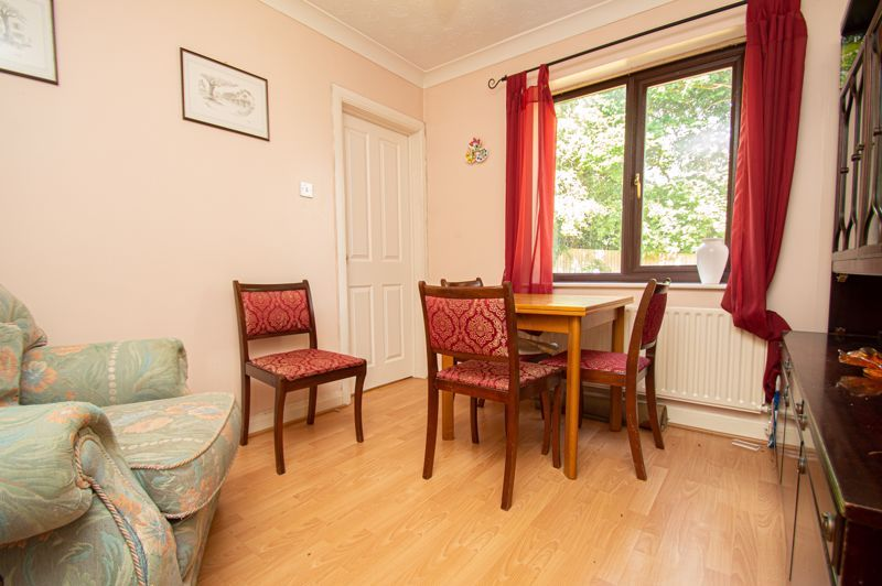 4 bed house for sale in Towbury Close  - Property Image 4