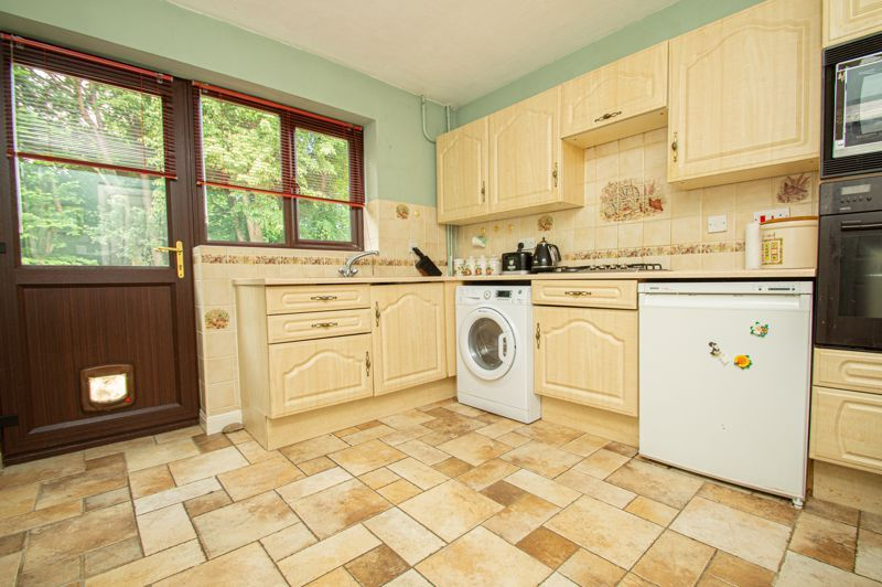4 bed house for sale in Towbury Close 5