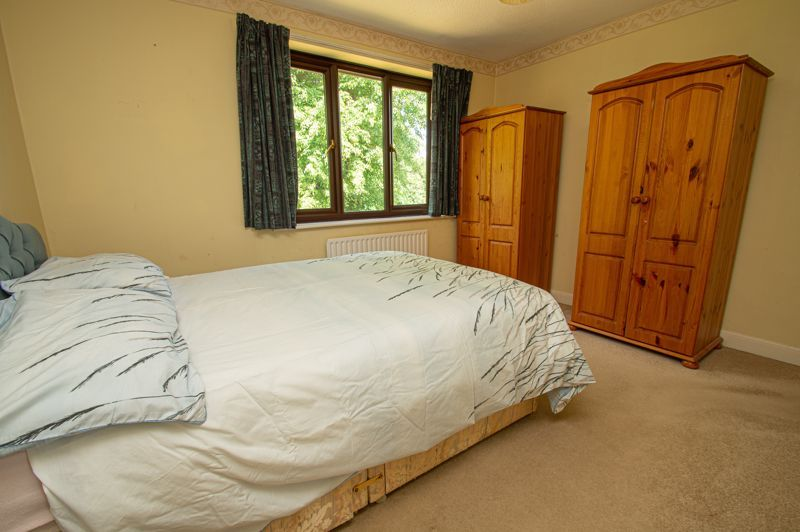 4 bed house for sale in Towbury Close 7