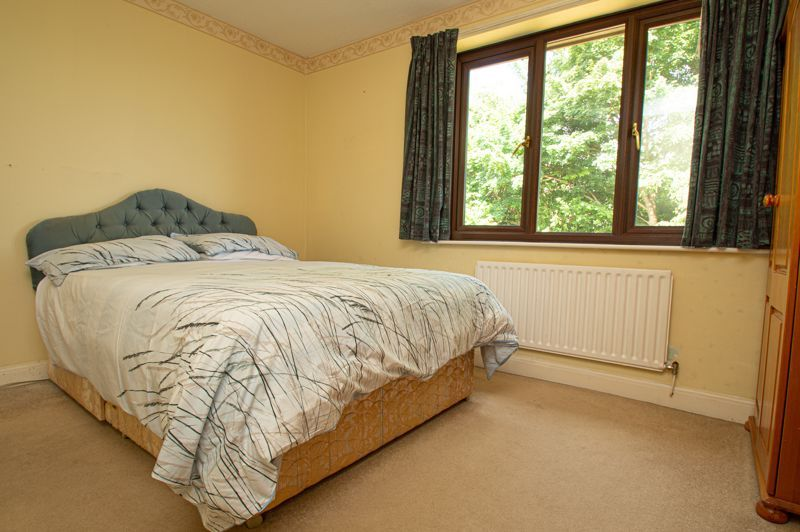 4 bed house for sale in Towbury Close 8
