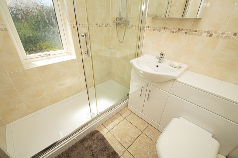 2 bed house for sale in Field Close 13