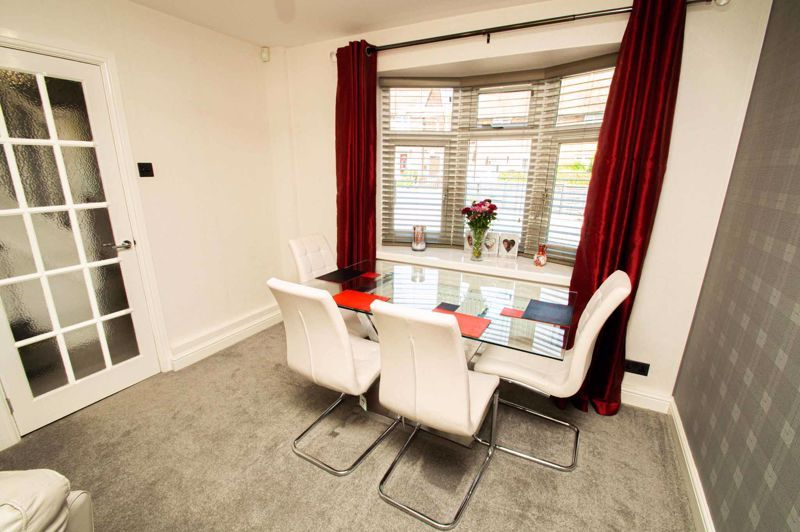 2 bed house for sale in Field Close 4