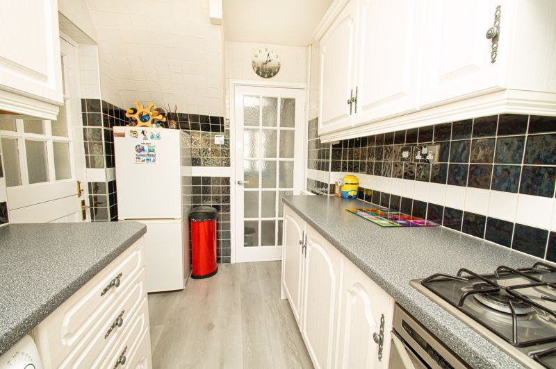 2 bed house for sale in Field Close 7