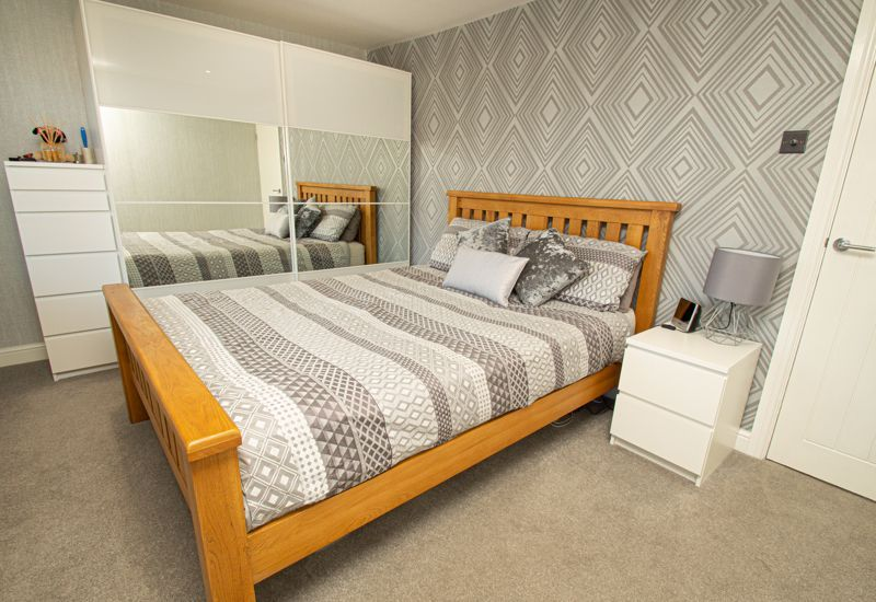 2 bed house for sale in Field Close 10