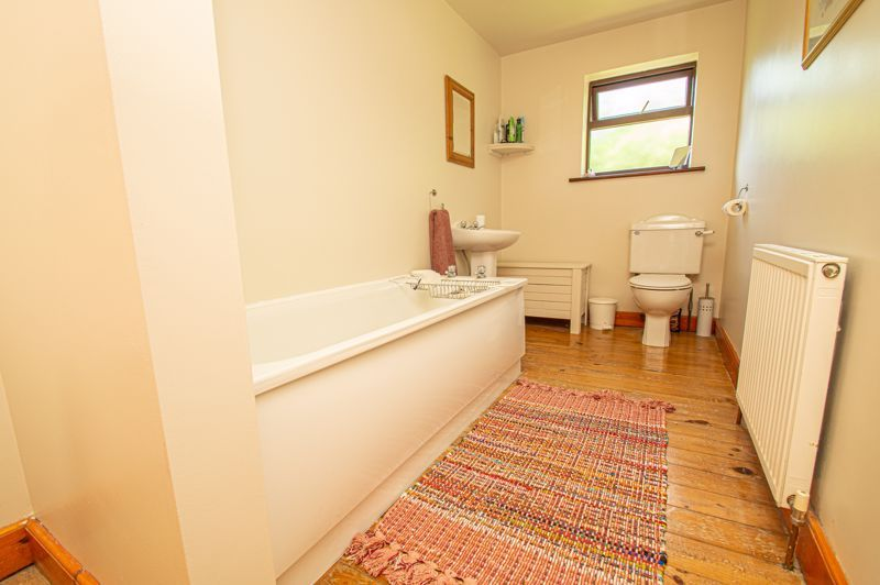 4 bed cottage for sale in Chapel Lane  - Property Image 11