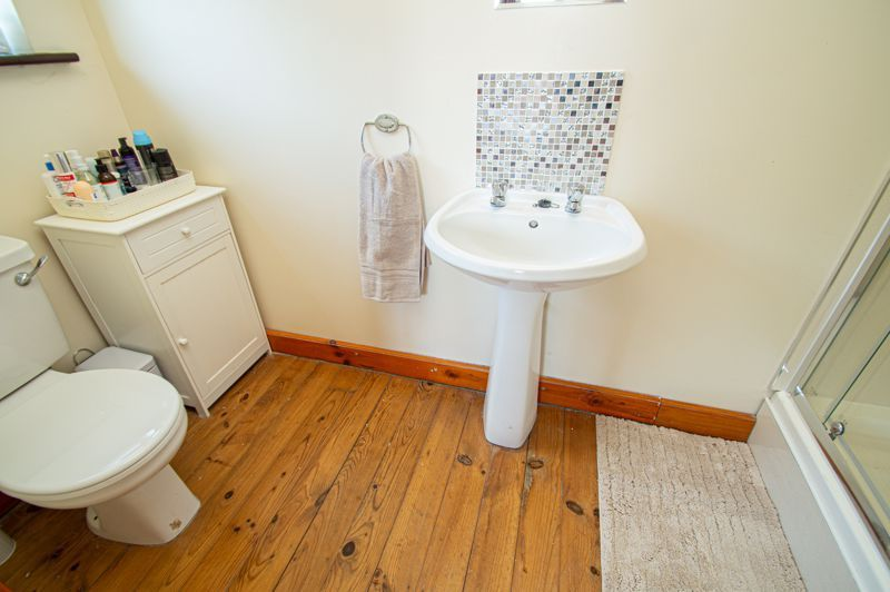 4 bed cottage for sale in Chapel Lane  - Property Image 14