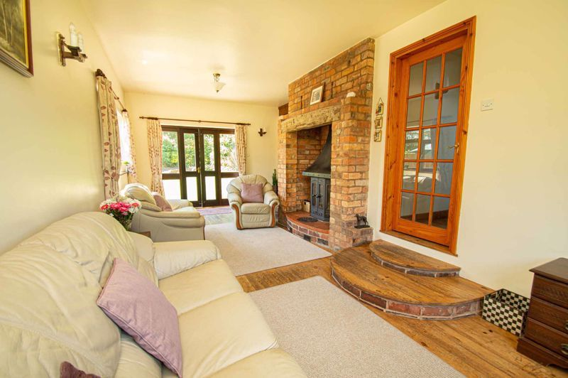 4 bed cottage for sale in Chapel Lane 16