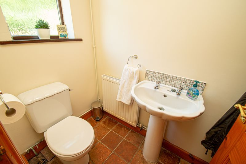 4 bed cottage for sale in Chapel Lane  - Property Image 19
