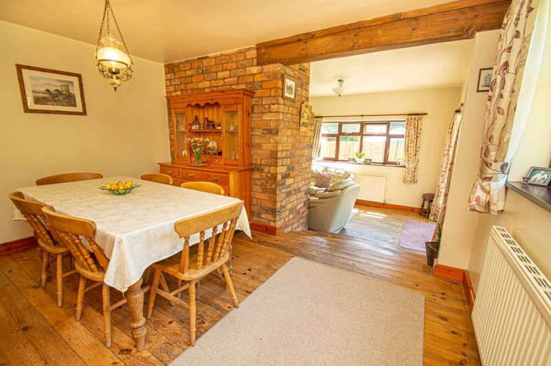 4 bed cottage for sale in Chapel Lane  - Property Image 3