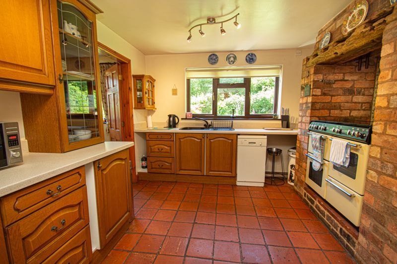 4 bed cottage for sale in Chapel Lane 4