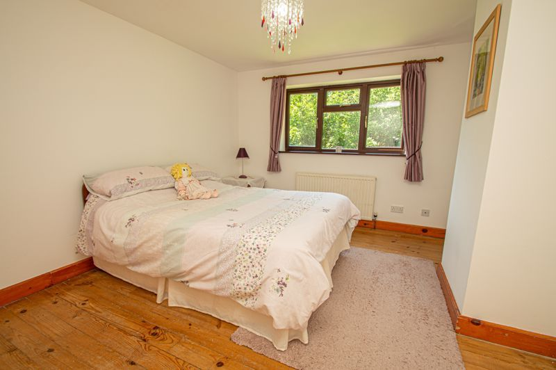 4 bed cottage for sale in Chapel Lane  - Property Image 8