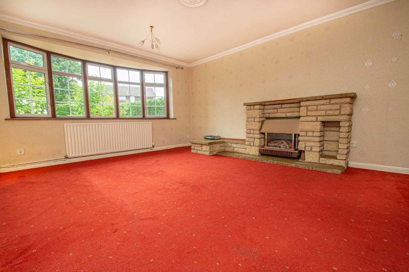 4 bed house for sale in Granby Close 2