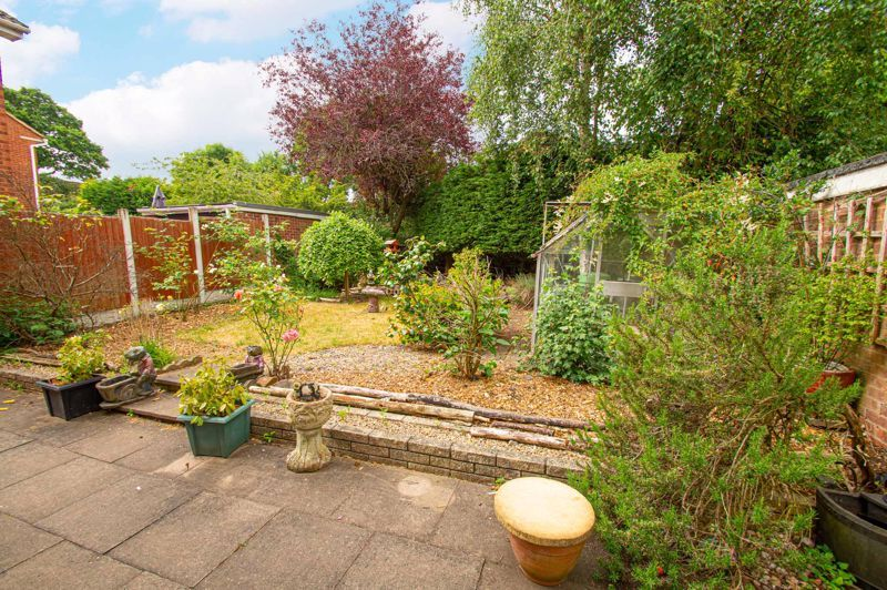 4 bed house for sale in Granby Close 15