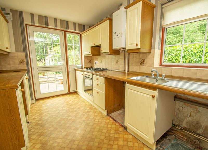 4 bed house for sale in Granby Close 5
