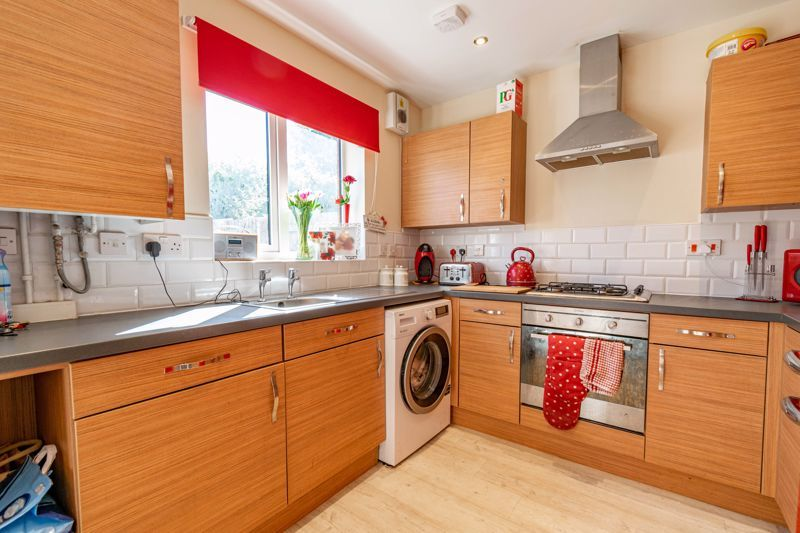 2 bed house for sale in Blakeney Drive 5