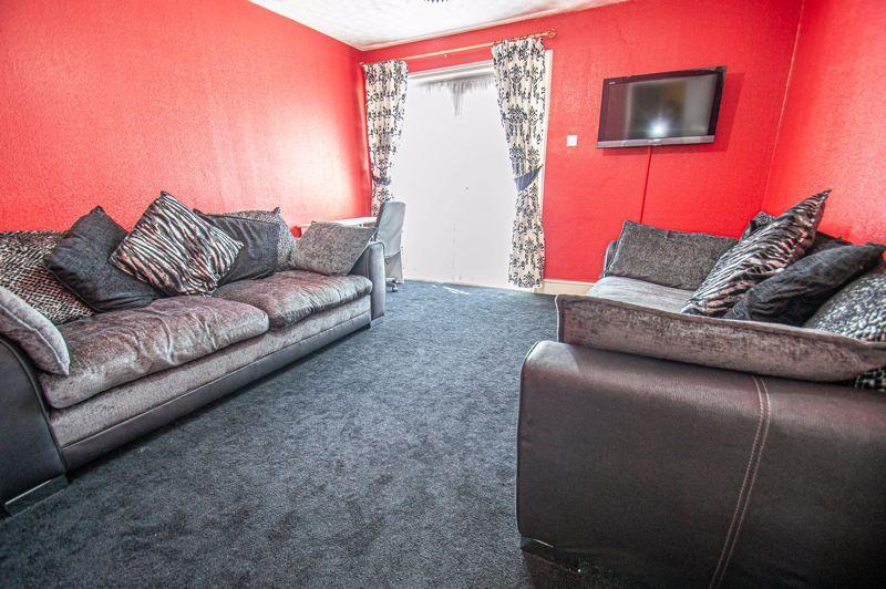 3 bed house for sale in Aldington Close 2