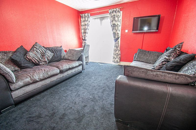 3 bed house for sale in Aldington Close  - Property Image 2